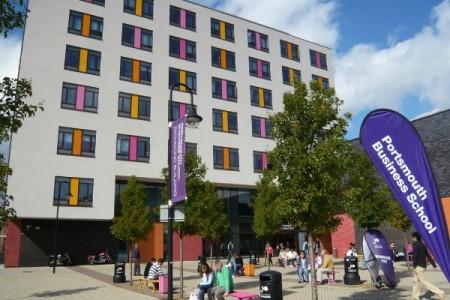 Đại học Portsmouth - Top 50 trường đại học hàng đầu Anh Quốc
