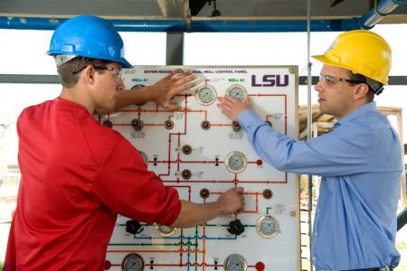 Đại học Louisiana State (LSU) - Trường duy nhất có mỏ dầu trong trường tại Mỹ